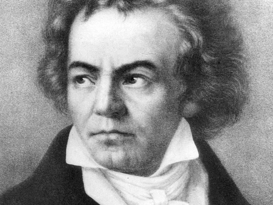 Nordrhein-Westfalen - KI soll Beethovens Unvollendete vollenden